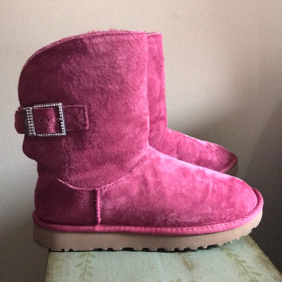 FLASH SALE* UGG Fuschia Pink Remora Rhinestone